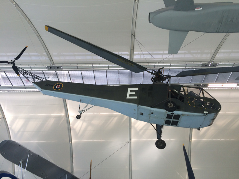 The Sikorsky R-4, pioneer of the standard helicopter layout.